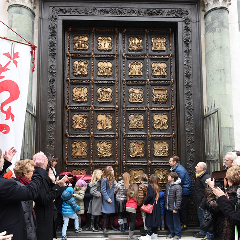 The inauguration of the North Door replica for the Florence Baptistery